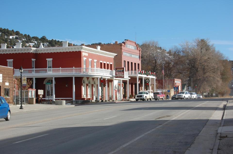 County addressing vacant downtown buildings issue