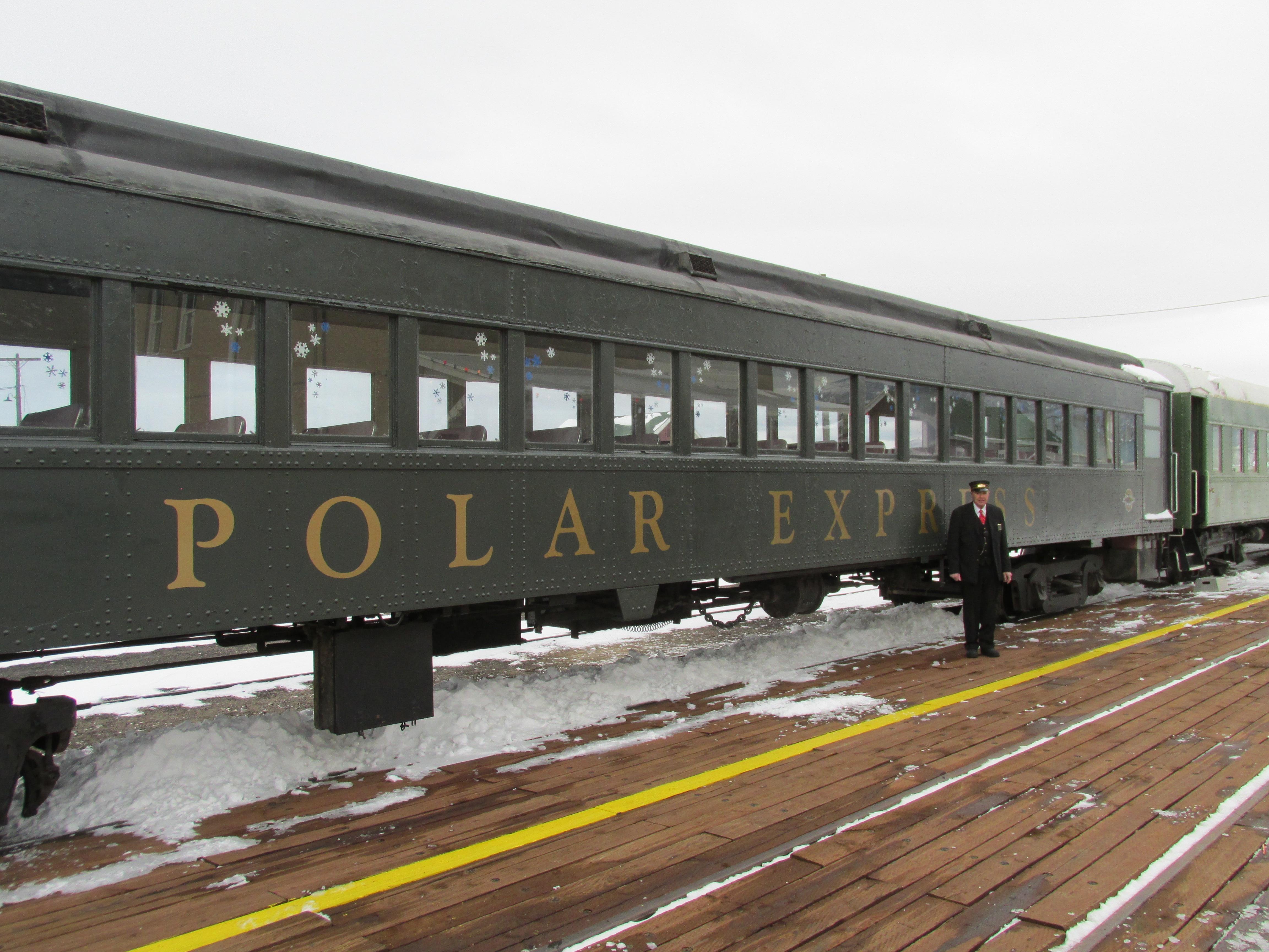 Popular train begins North Pole trips