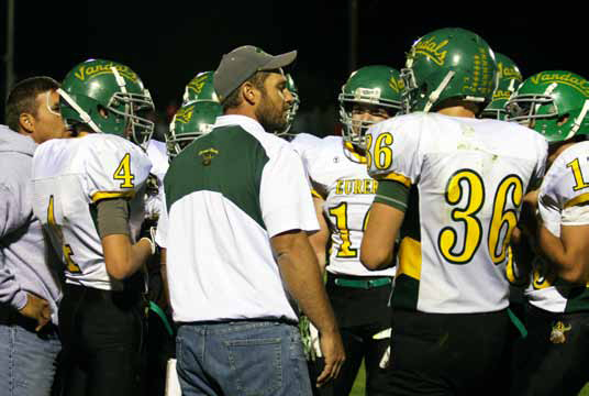Vandals Fall Late to Carlin