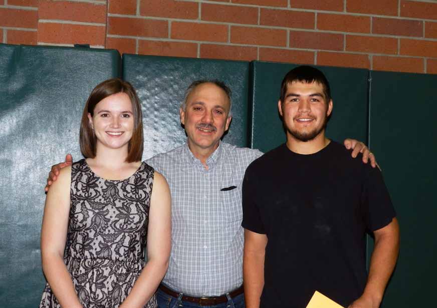 Graduating seniors awarded scholarship