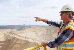 Marianne Kobak McKown/Elko Daily Free Press Bald Mountain Engineering Superintendent Richard Curnow talks about the mining being done in Top 2 Pit. The mine is moving forward with expansion plans despite being for sale.