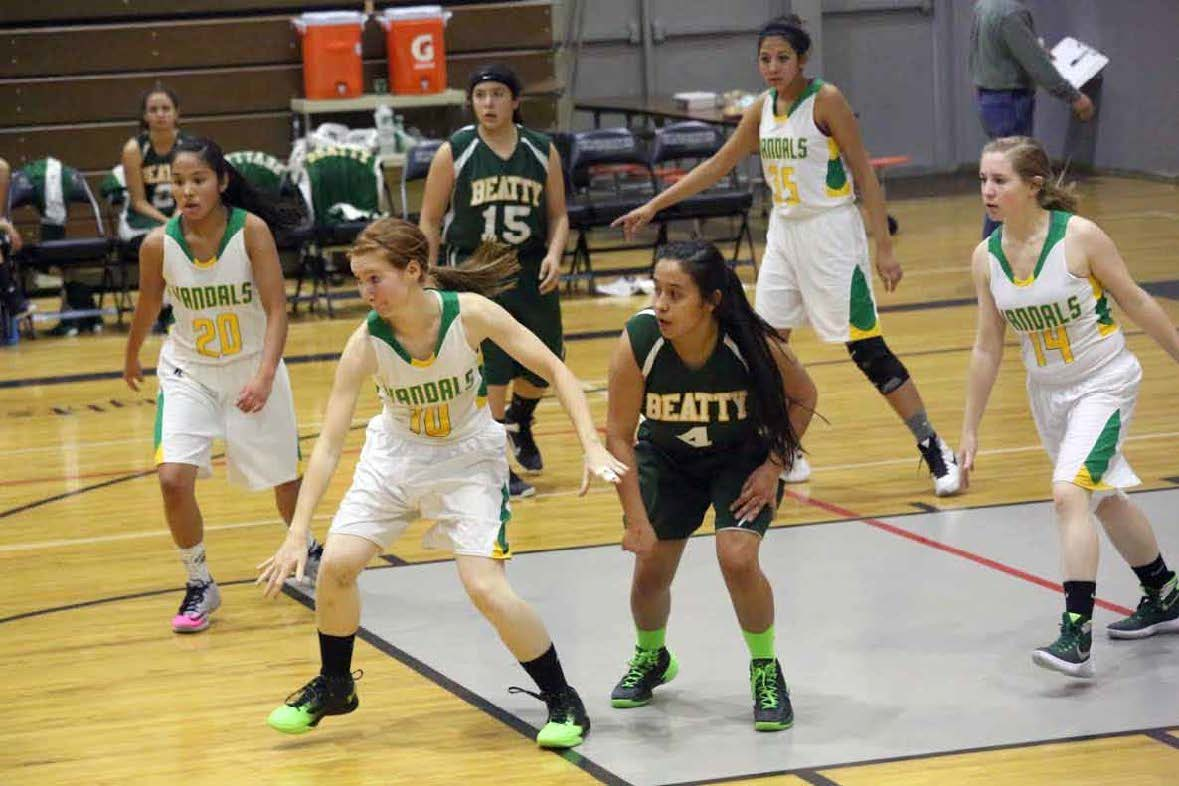 Lady Vandals cruise through tourney
